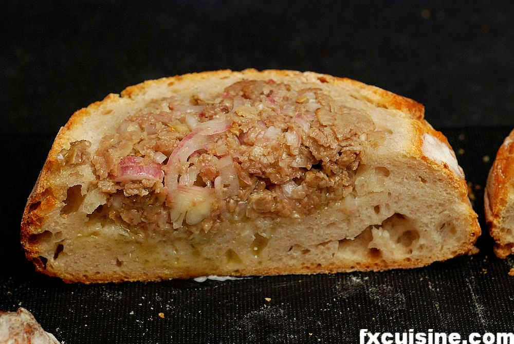 "Back to article '<p><a href=""http://fxcuisine.com/zoom-image.asp?image=http://fxcuisine.com/blogimages/french-cuisine/truffle-bread/truffle-stuffed-bread-03-1000.jpg&t=%%t%%""><img src=""http://fxcuisine.com/blogimages/'"