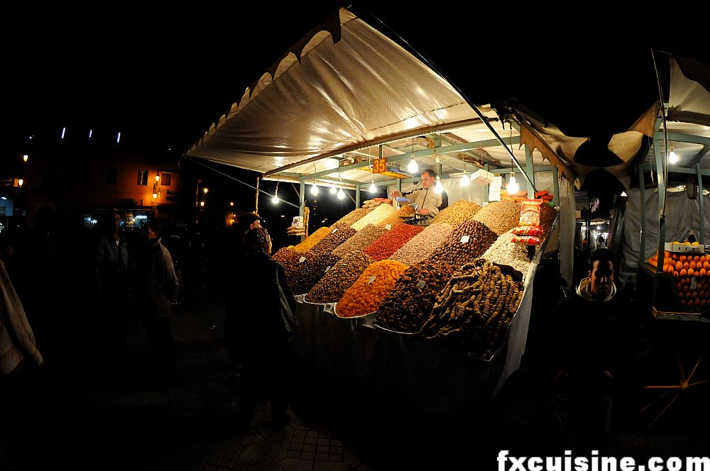 "Back to article '<p><a href=""http://fxcuisine.com/zoom-image.asp?image=http://fxcuisine.com/blogimages/moroccan-cuisine/marrakech-jemaa-el-fna/jemaa-jamaa--el-fna-marrakech-food-15-1000.jpg&t=%%t%%""><img src=""http://f'"